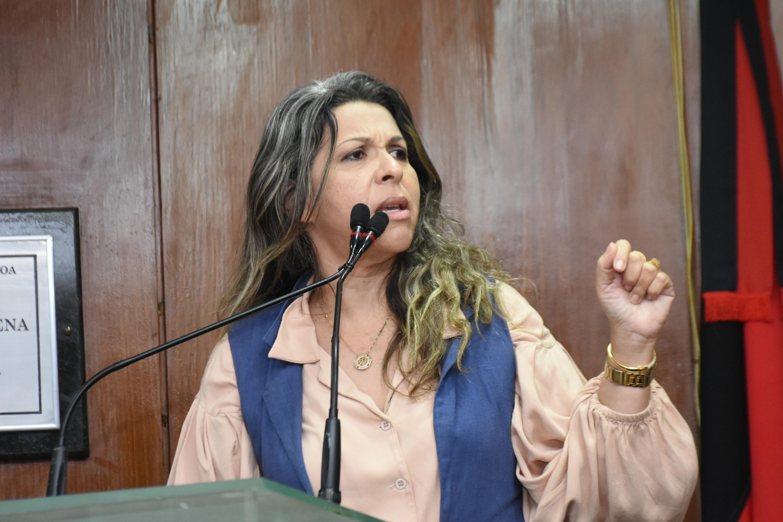 Vereadora Eliza Virginia celebra vitória judicial contra o PSOL
